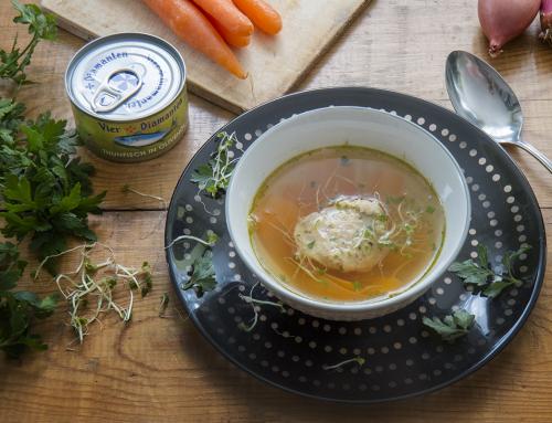 Asiatische Fischknödel Suppe