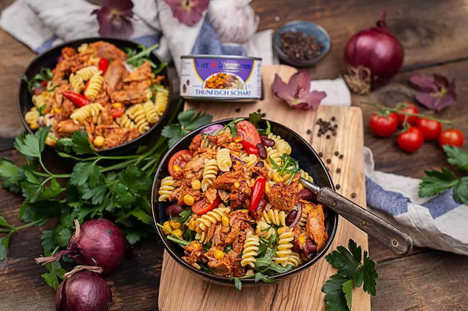 Thunfisch-Nudelsalat-mit-Mais